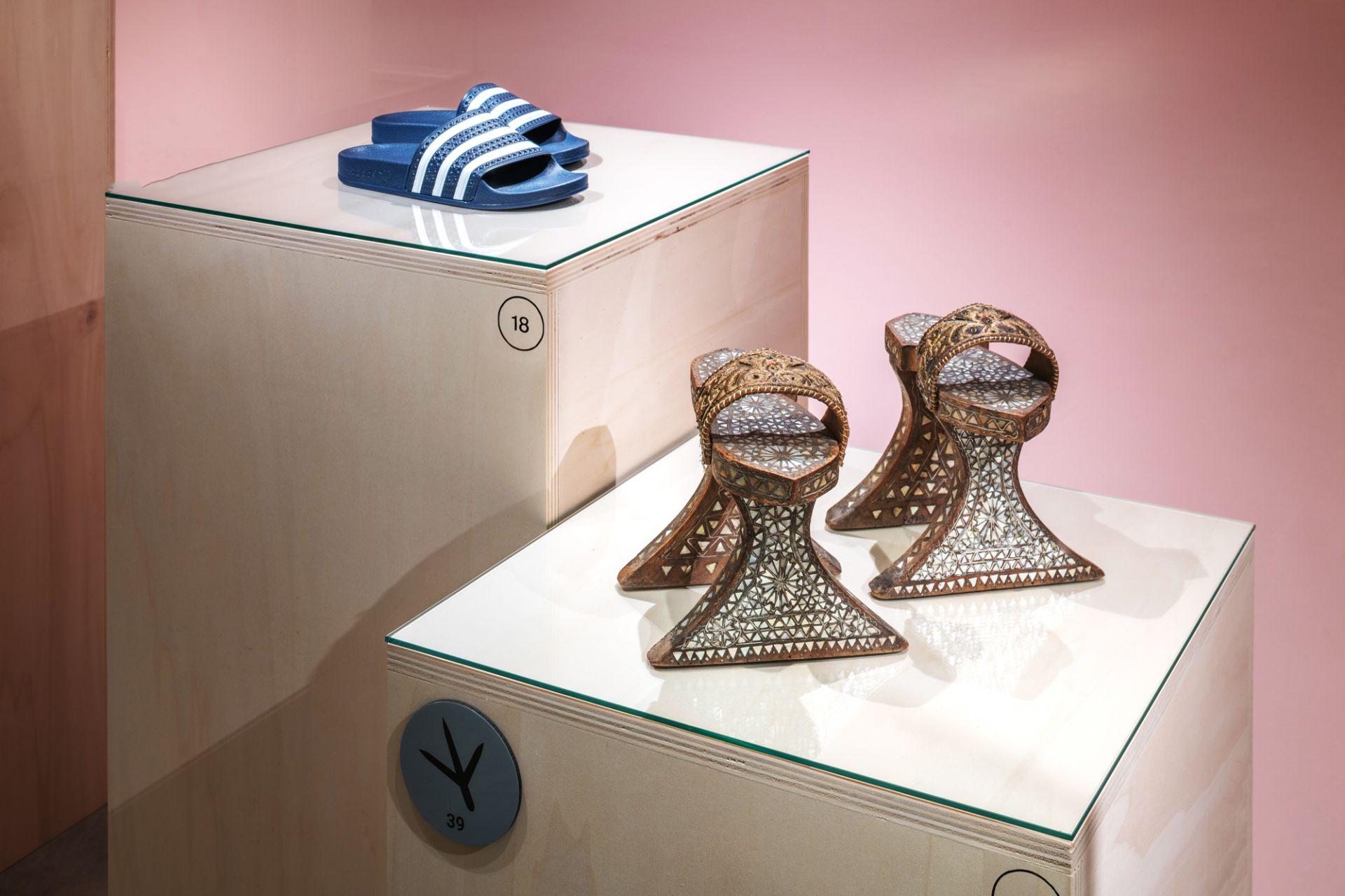 Stilted sandal, Damascus, Syria, 19th century and cross-strap sandals, Adilette, adidas, Herzogenaurach, 2019