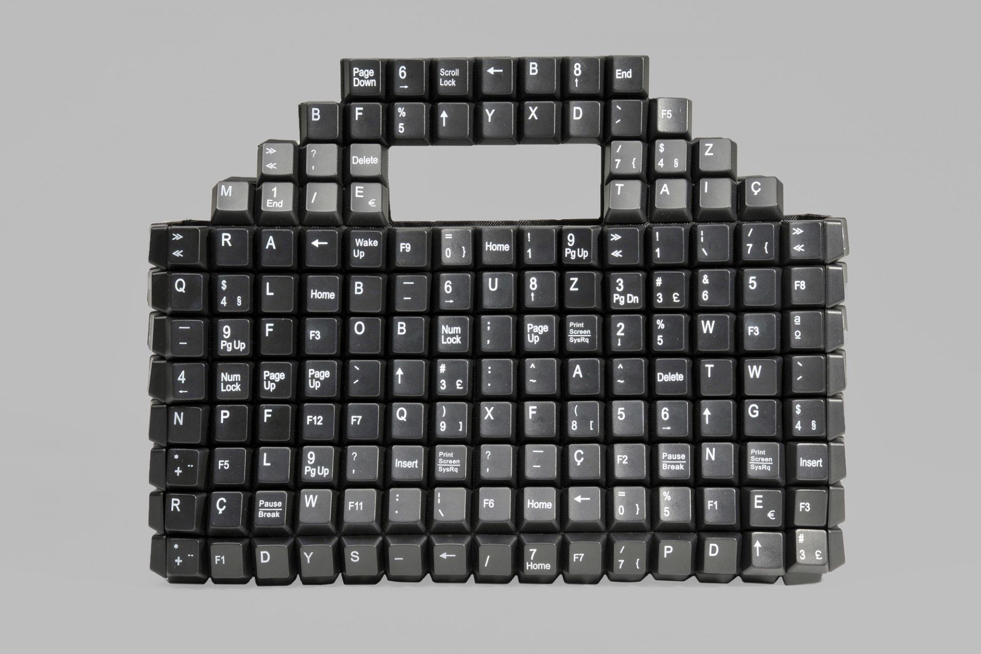 Handtasche aus 393 Tastaturtasten, Keybag, João Sabino, Lissabon, Portugal, 2011