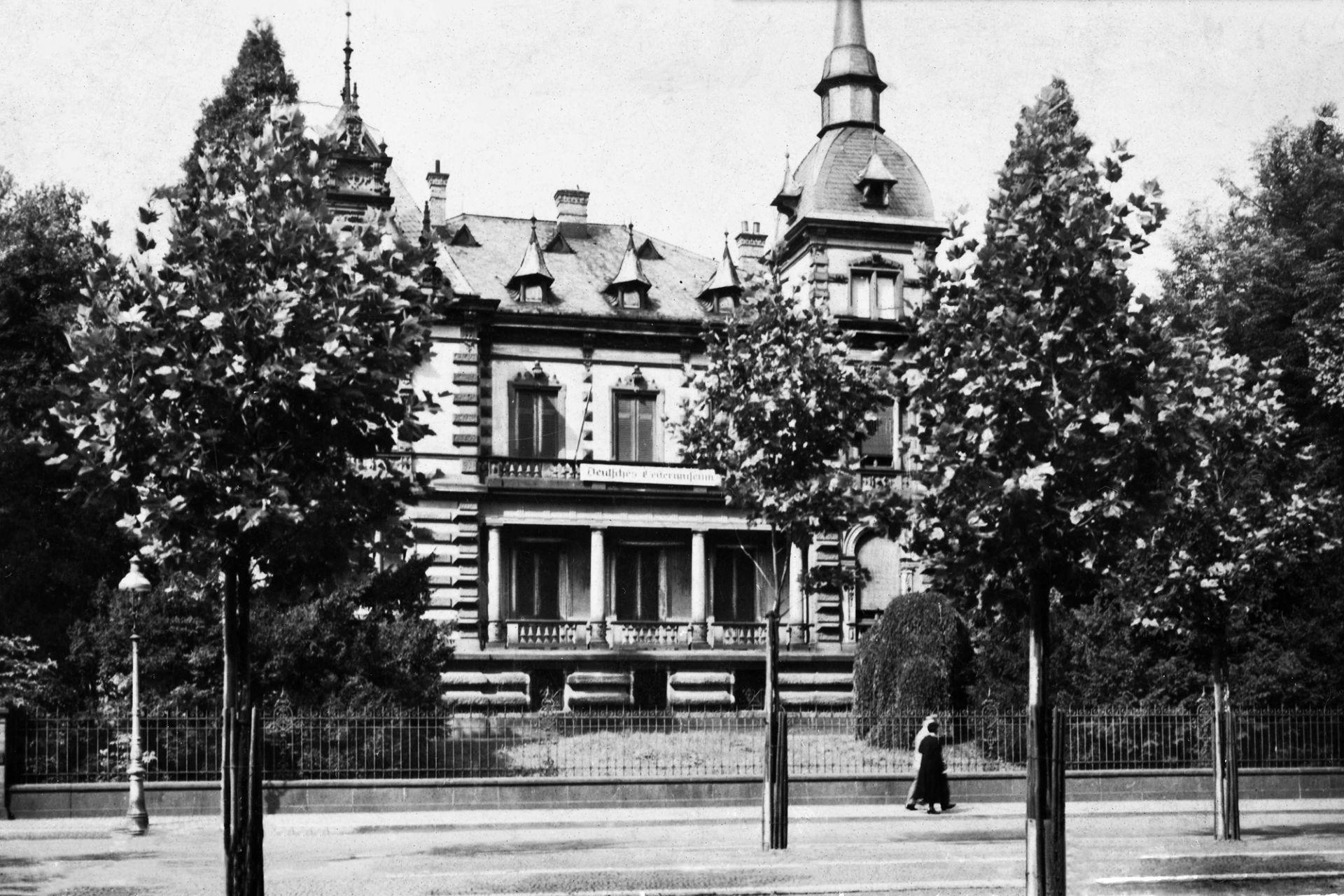Außenansicht der Villa Mainpfalz