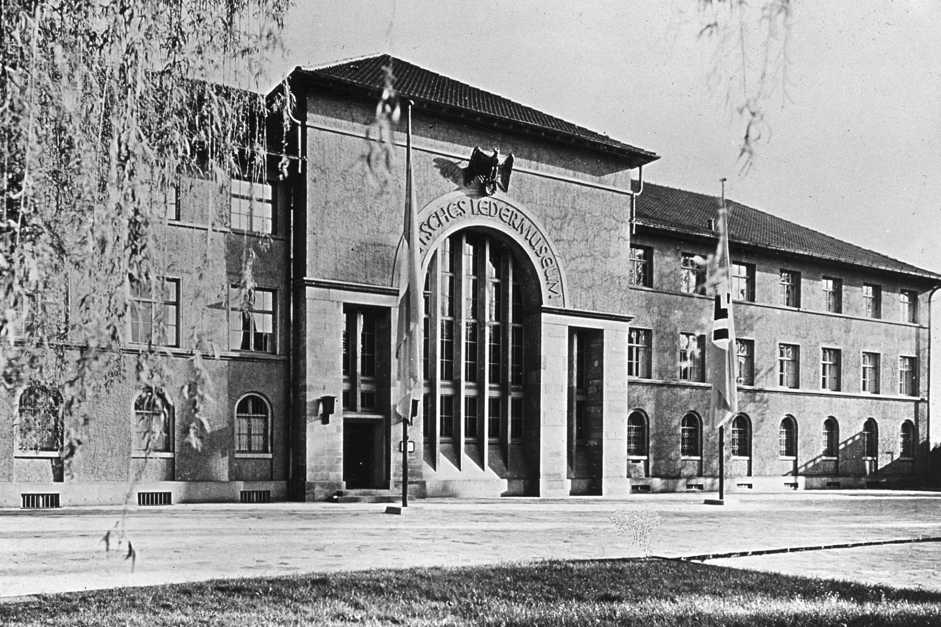 Exterior view of the German Leather Museum, around 1938