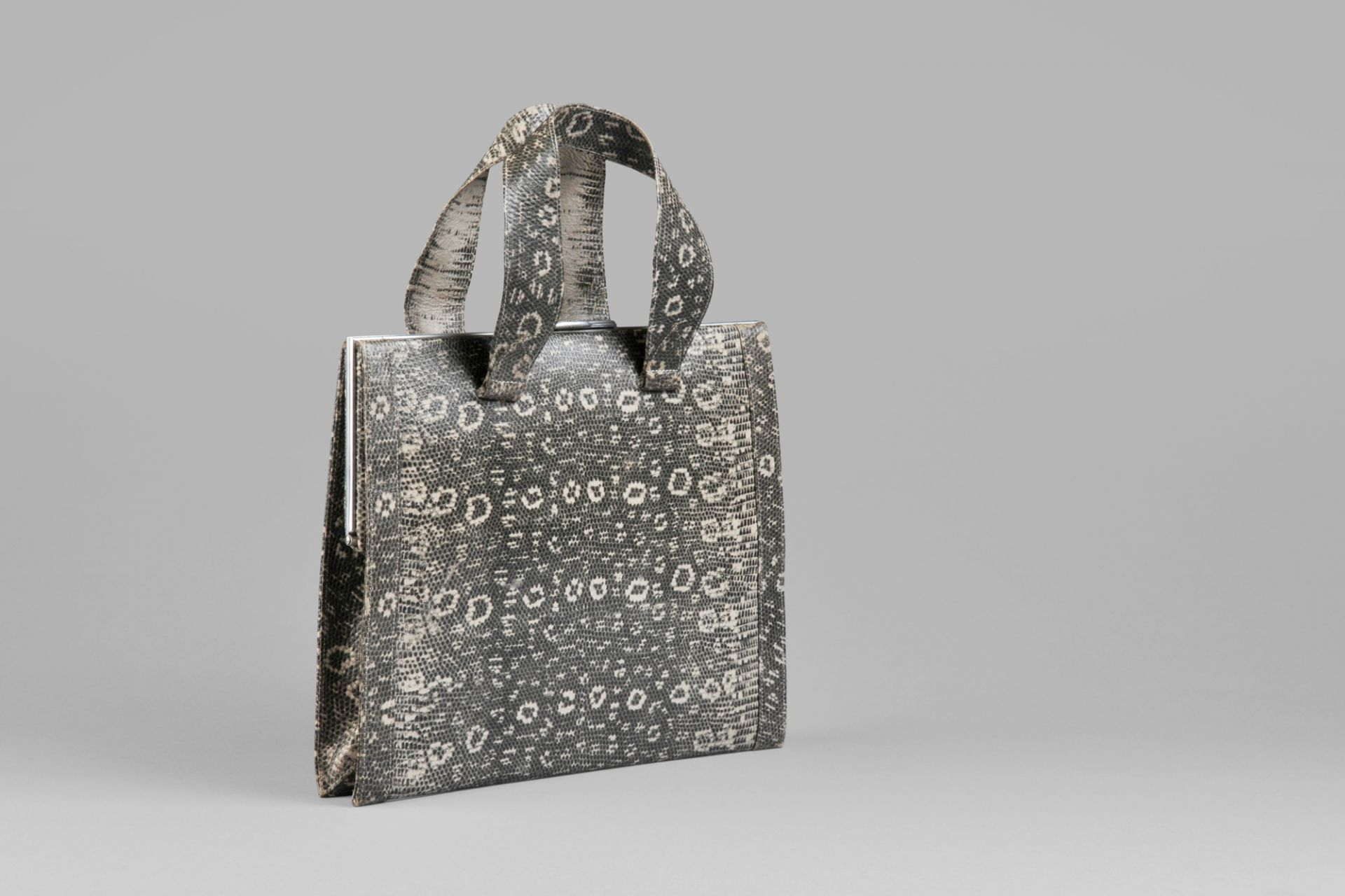 Handbag made of paper with imitation of lizard leather, Goldpfeil, Offenbach/Main, 1940